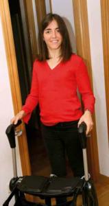 Cristina Jiménez, con ataxia de Friedreich, es licenciada en Economía y trabaja en una multinacional